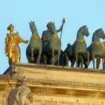 Arc de Triomphe du Carrousel  - statues on figures