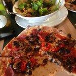 Foto de Leonardo's pizza and pasta workshop