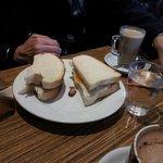 egg&sausage sandwich