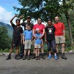 L'équipe au complet du trek avec nos 2 porteurs et notre guide