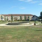 Circular fountain and lawns