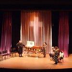 """Escena de la obra teatral """"Señoras de Maracaibo en el Velorio de Eudomario"""""""