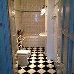 Kaiser Suite Bathroom