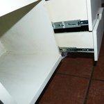Dreckige Ablagen und ekelige Schubladen