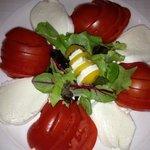 tomate mozza dîner de réveillon !!! non ce n est pas une blague !