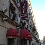 Fachada del Newton Opera Paris