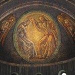 il mosaico all'interno di San Giusto