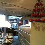 Salle, banquette et décor de Noël