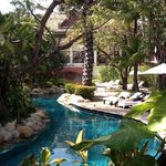 quit spots in lovely garden pool resort