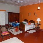 Kandyan Manor, twin room in the house