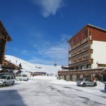 Hotel and lifts