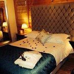 bedroom (flurie lodge)