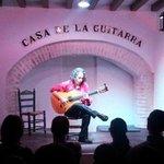 Actuación guitarrista flamenco