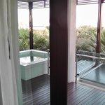 вид из номера на балкон