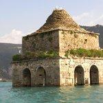 Torre inundada de Mediano, junto a Ainsa