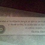 Detalle del mantel que muestra un poco de la filosofia del restaurante