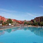 vue hôtel depuis la piscine