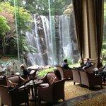 Toll: Wasserfall im Hotel!