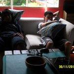 """descansando en """"EL"""" sillón"""