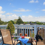 Large roof-top common deck