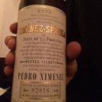 il prezioso vino liquoroso di Pedro Ximenez che si sposava in maniera eccellente con la cioccola