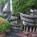 Fuente a la entrada de la fábrica de cerveza.