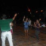 Bailando en la fiesta patria