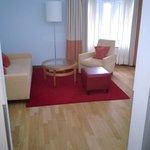 Suite setting area