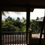 la vue depuis le balcon de la chambre avec jaccuzzi