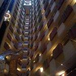 vista del hotel desde el loby