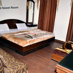 THREE BED SWEET ROOM