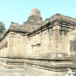 Manuha prison, buit by prince Naga Thaman in 11th century
