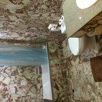スイート2ベットルームタイプの浴室です。