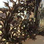 Ferronnerie d'art à l'entrée de l'Aqueduc