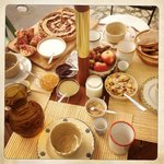 Organic, hand made and arranged with love. Breakfast at L'Albero.