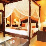 King size bed for one bedroom villa with private swimmong pool