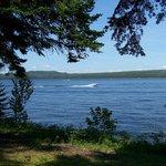 Le Parc linéaire Petit Témis longe le lac Témiscouata, long de 40 km