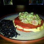 quesadilla con tortillas rojas picantes