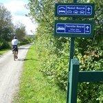 Le Parc linéaire Petit Témis est doté de plusieurs panneaux de signalisation, Cabano