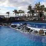 la piscine principale (non chaufée)