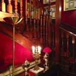 Treppenhaus am Abend romantisch beleuchtet