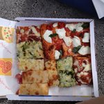 Tomates confites, mozzarella/basilic, courgettes/anchois, oignons, fromage/jambon