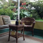 Shared open lanai Hibiscus and Bali Suites