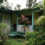 View of Bungalow Lanai and entrane