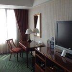 room/work desk/tv