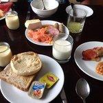 ジャミソンクラブラウンジで朝食、ベジマイトを試してみました