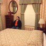 Quuen sized room