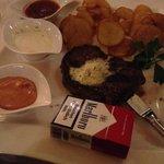 Das New York Steak für 22,90 im Vergleich zur Größe einer Zigarettenschachtel