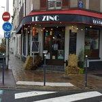le beaujolais nouveau et al campagne au zinc