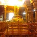 srirangam Temple-Muralitharan photo